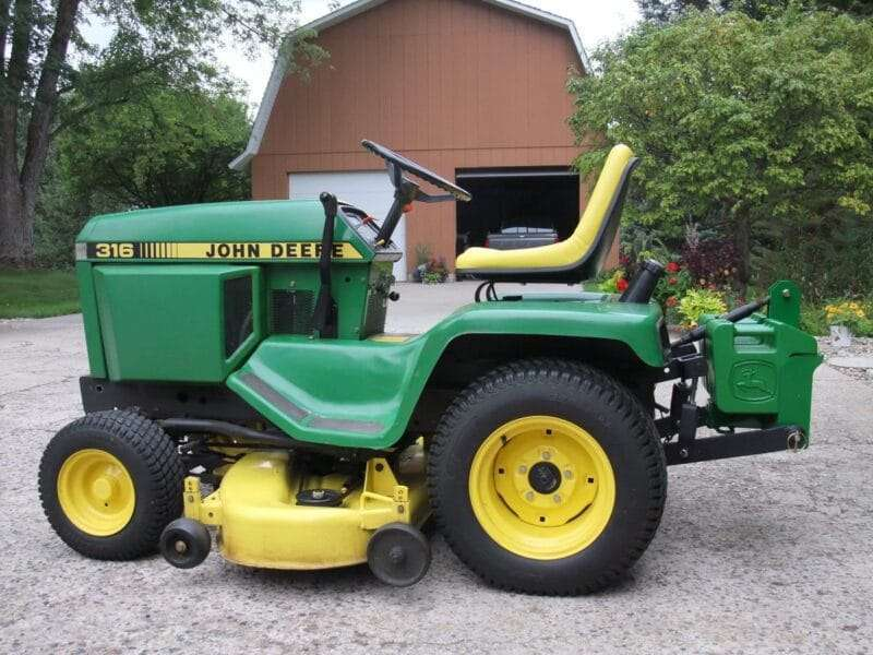 Tractor-John-Deere-Hitch-Suitcase-Weight-Attachment