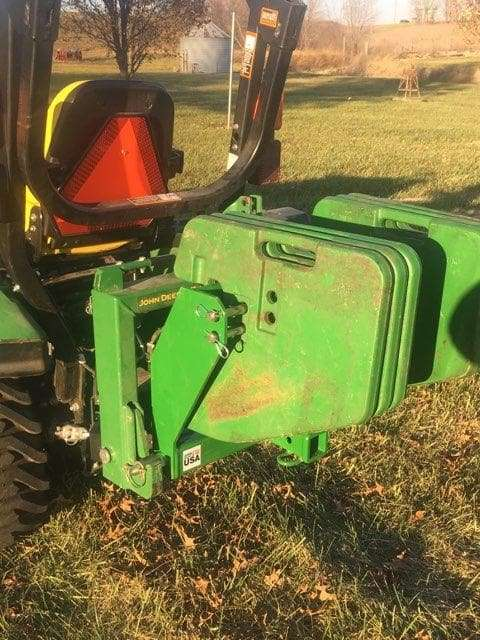 Hitch-tractor-attachment-John-Deere-weights